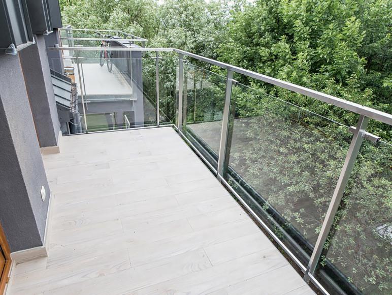 balkon - apartament typu studio