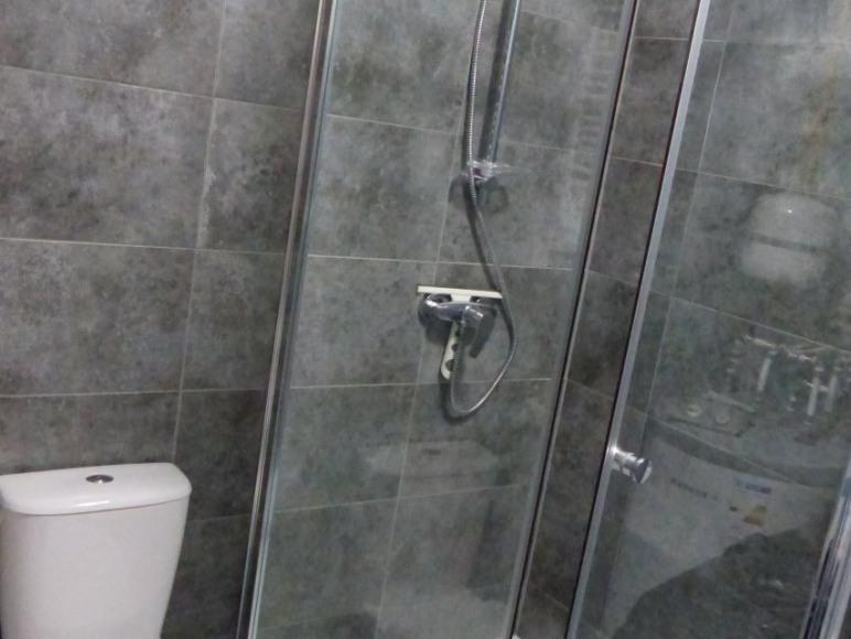 kabina prysznicowa szeroka wygodna