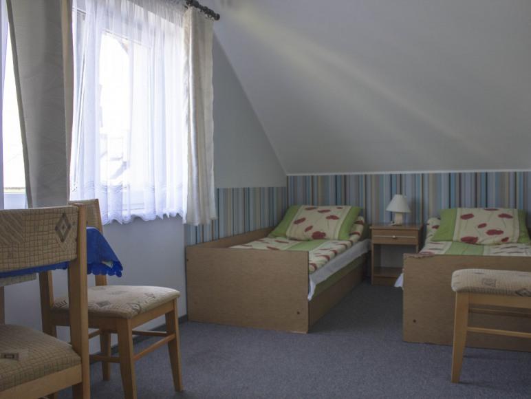 Pokój nr 2 3os.z łazienką