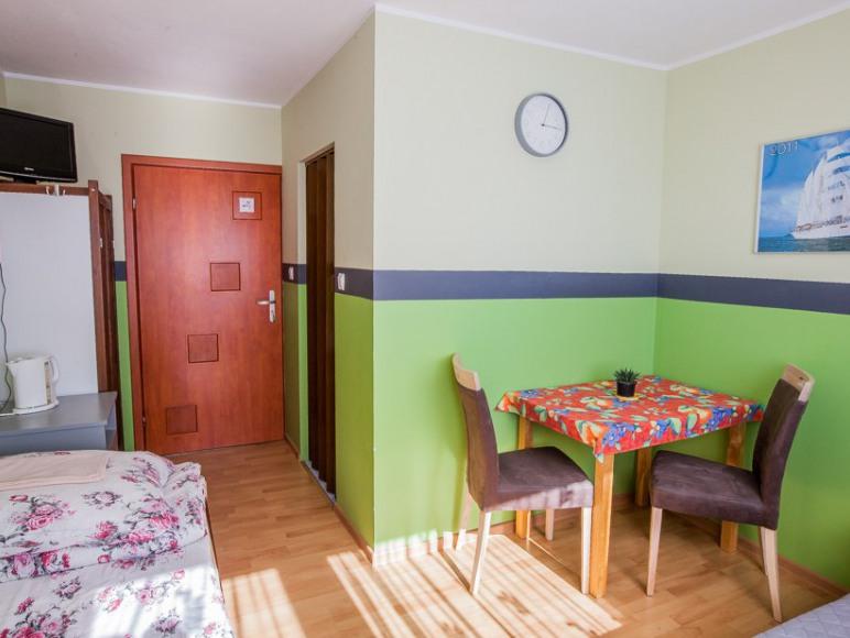 """Pokoje Gościnne i Apartamenty """"Pika"""""""