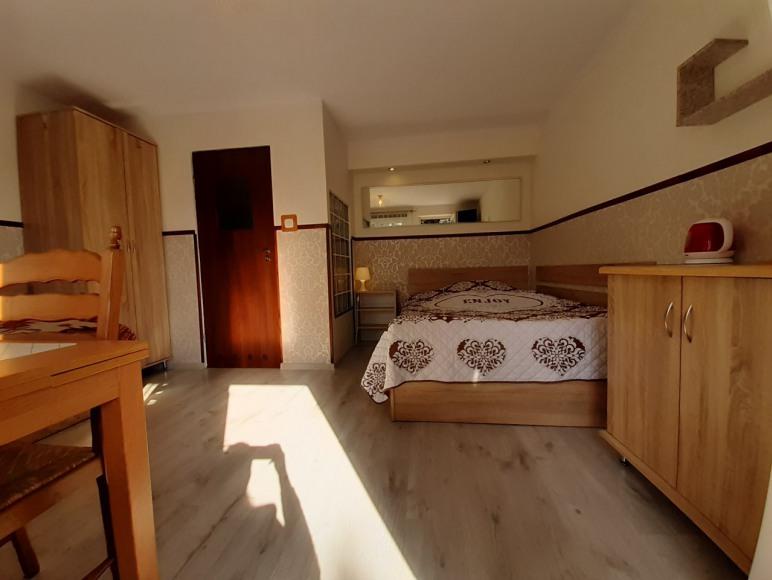 pokój 3os z oddzielnym wejściem, łazienką i aneksem