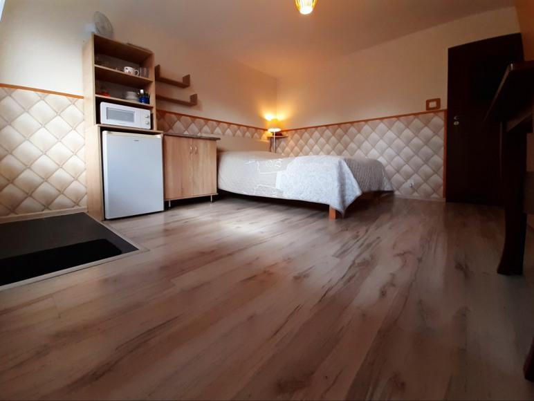 pokój 2os z oddzielnym wejściem, łazienką i aneksem