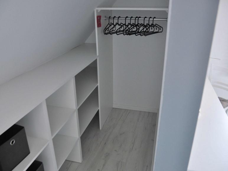 Garderoba w sypialni 1