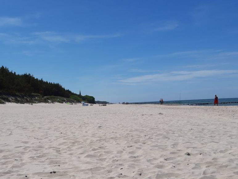 Plaża znajdująca się przy obiekcie