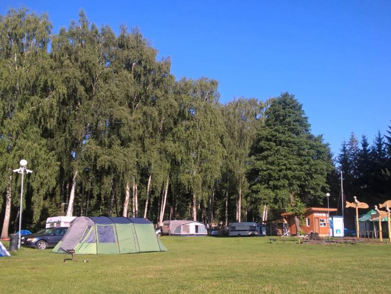 pole namiotowe-tuż przy plaży