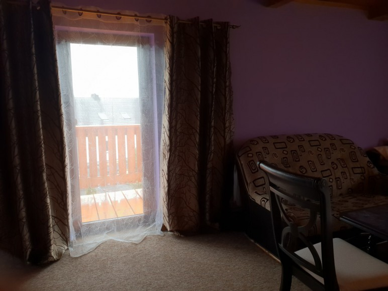 pokój 6 os z balkonem