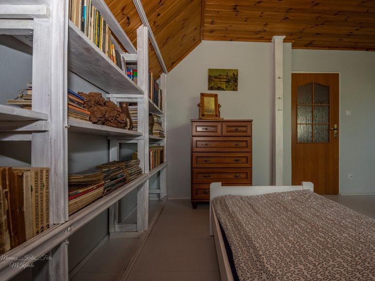 Duży pokój na piętrze