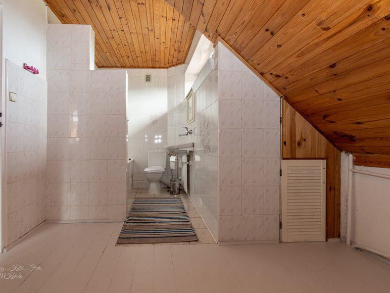 Łazienka z garderobą na piętrze