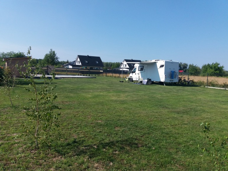 Pole campingowe, Wohnmobilfeld