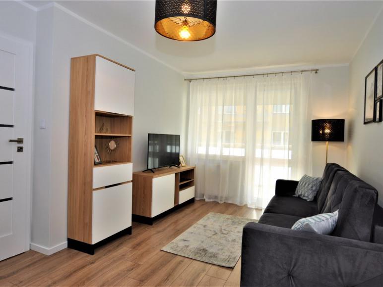 Komfortowe mieszkanie z garażem, Na Wydmie
