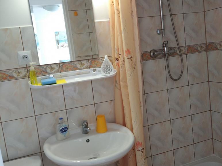 pokój nr 5 (z łazienką)