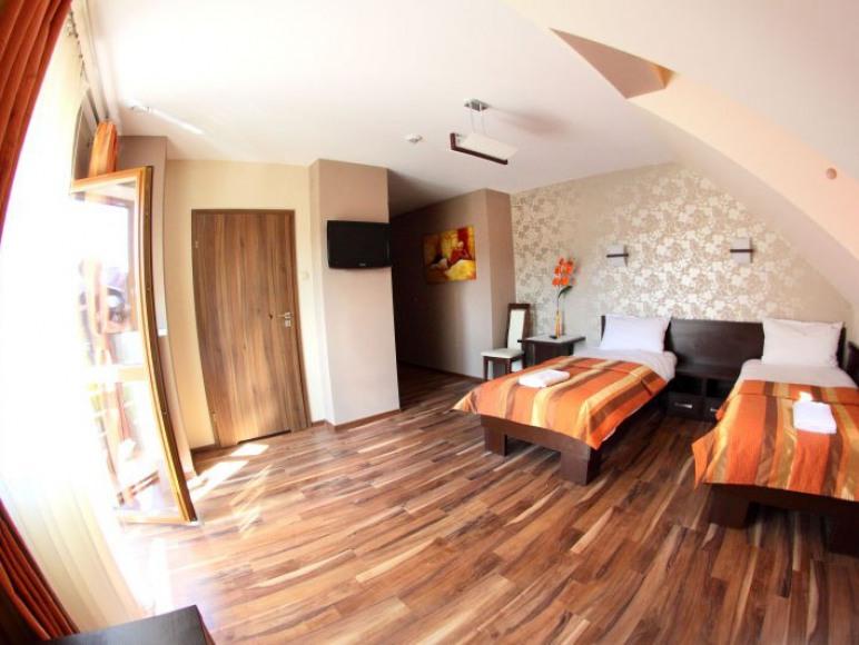 HOTEL MIESZKO **