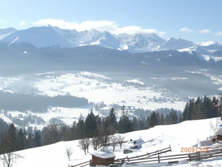 widok od domu zimą
