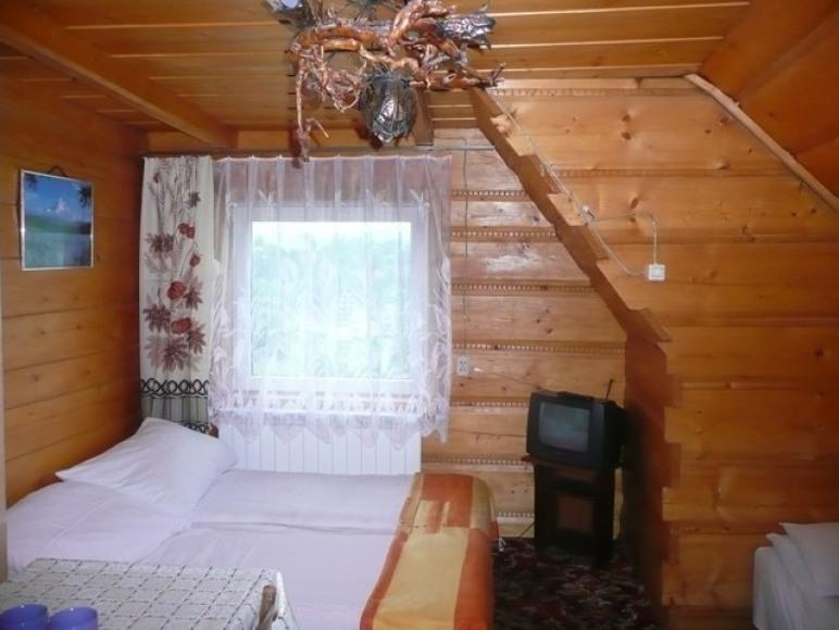 Pokój 2-4 osobowy (II piętro)