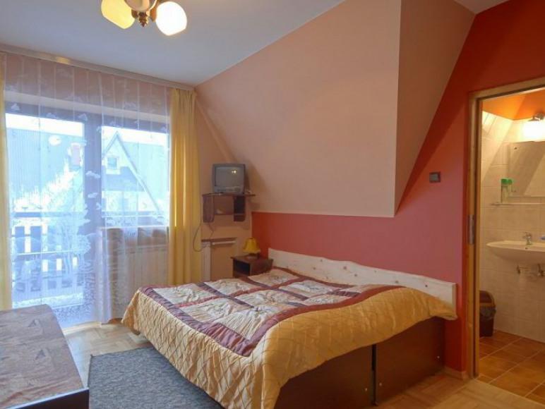 Pokoj 3os z balkonem oraz widokiem na gory
