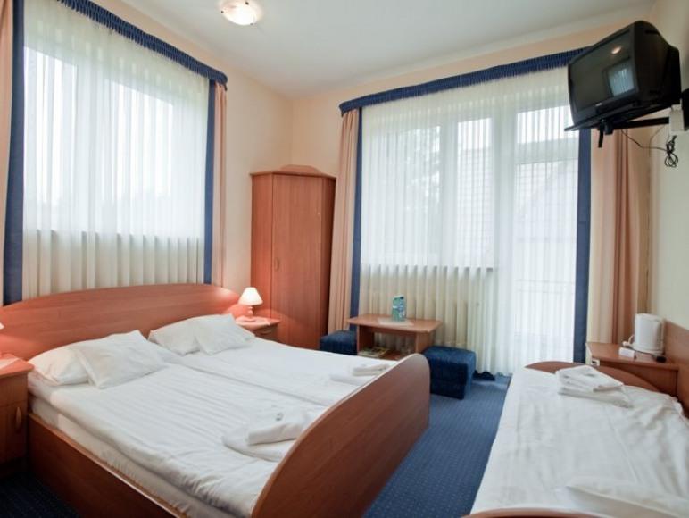 Ośrodek Usług Hotelarsko- Gastronomicznych Fian