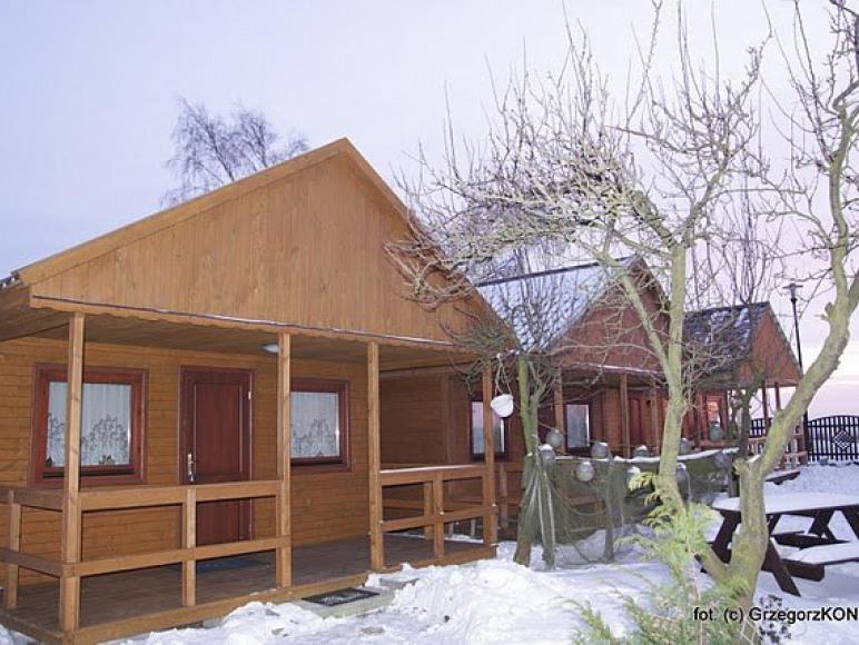 Domki zimą...stoją puste- ale dom czeka ))