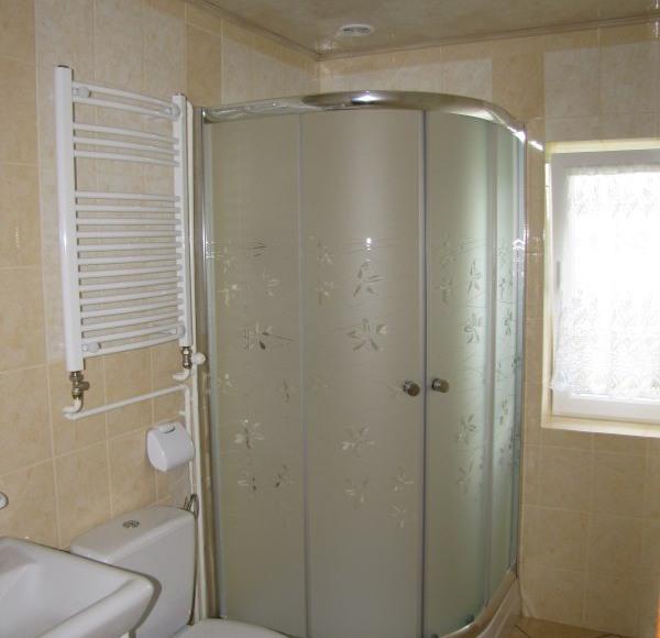 Jedna z 5-ciu łazienek