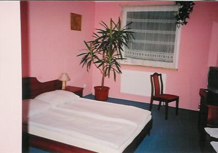 Hotel AVA** /Tiffany/