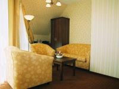 """Hotel """"Zajazd Pod Szyszkami"""""""