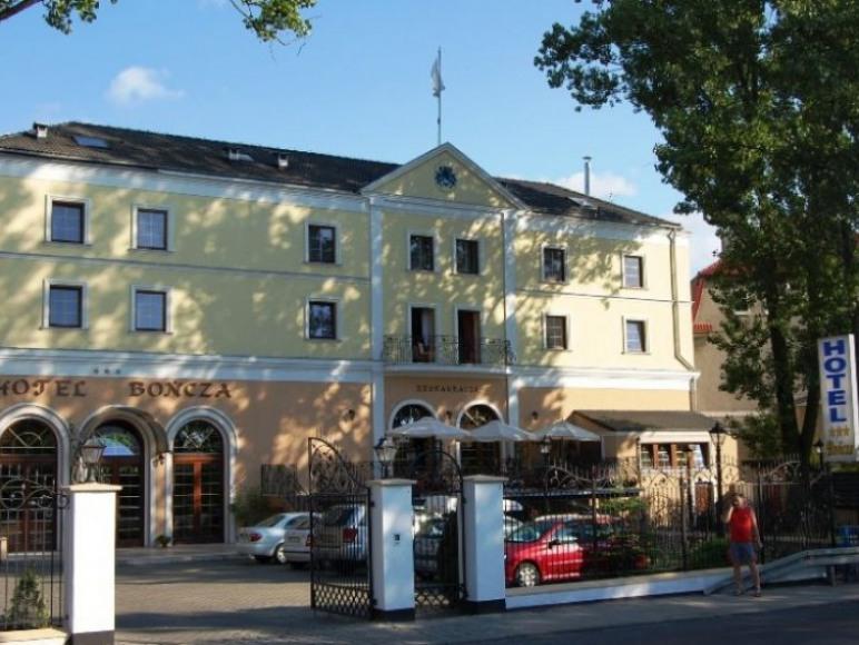 Hotel Bończa