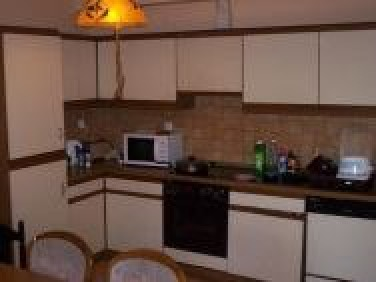 Kuchnia wyłącznie do dyspozycji osób wynajmujących pokoje (zmywarka, lodówk