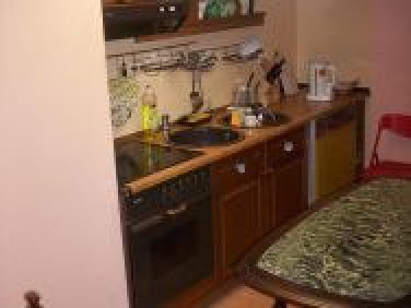 Druga kuchnia - również tylko do dyspozycji osób wynajmujących pokoje - zmy