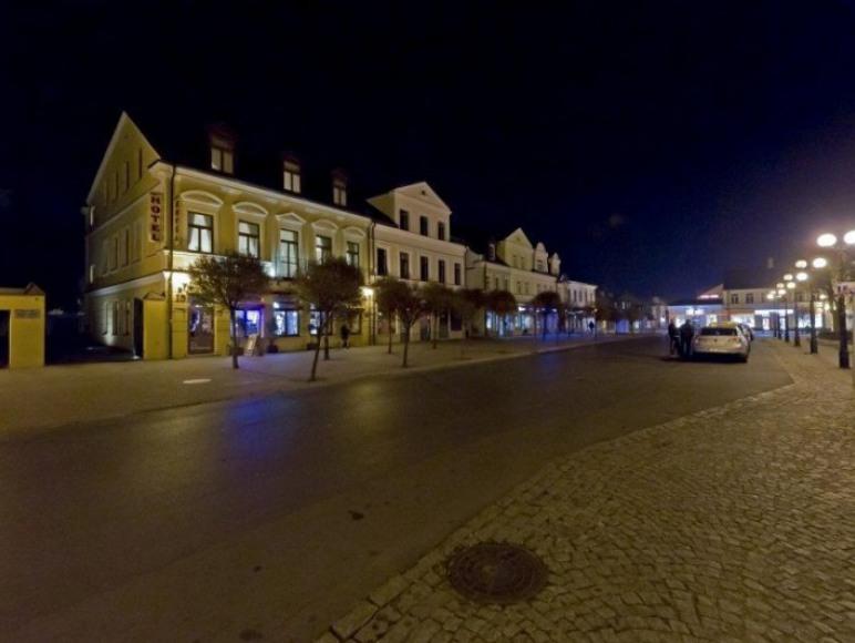 Widok na Hotel nocą
