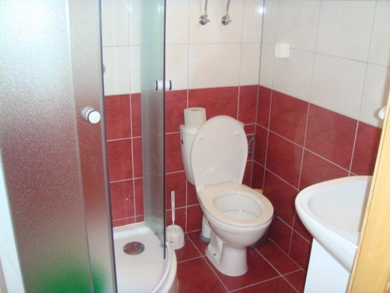 łazienka w domku szkieletowym