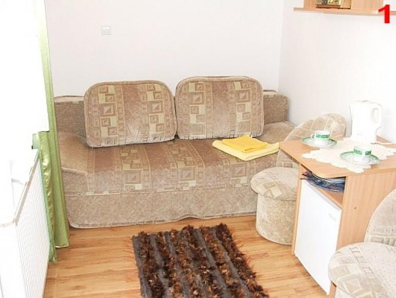 Pokój 1-os. w mniejszym budynku