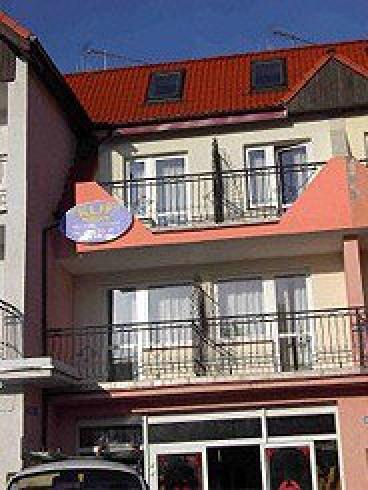 4 pokoje 2-osobowe z balkonami,a z nich - widać morze!