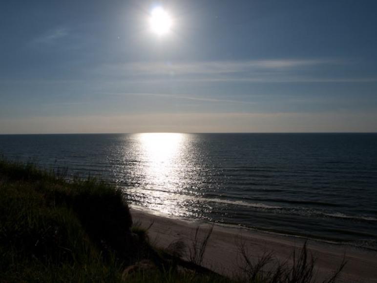 widok na morze z klifu