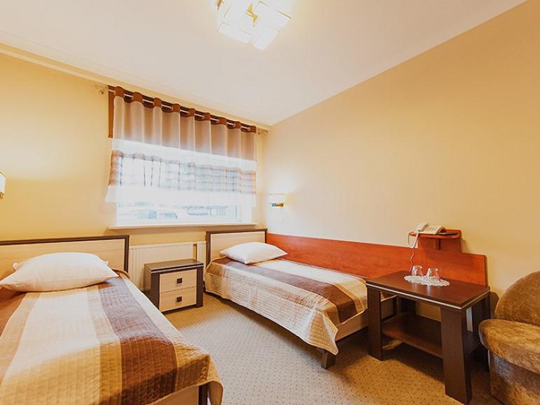 Pokoje 1 i 2 osobowe w tym standardzie...