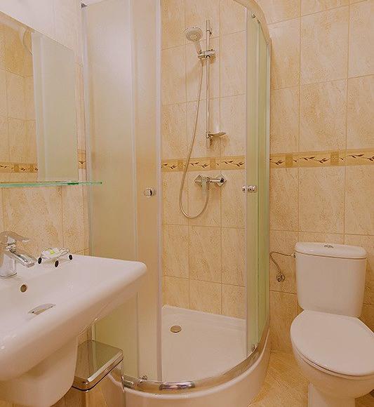 Wszystkie łazienki pokoi 1 osobowych w tym standardzie...