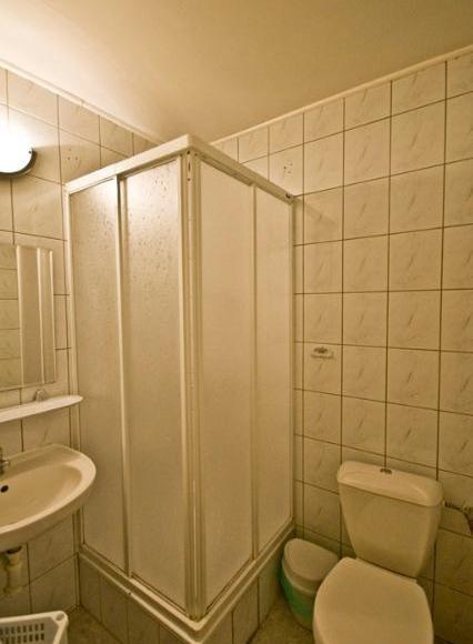łazienka pokój trzy- czteroosobowy