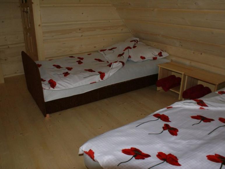 pokój 2 (dwa pojedyncze łóżka)