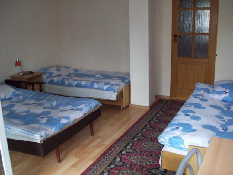 pokój 3os. z oddzielmym wejściemod ogrodu