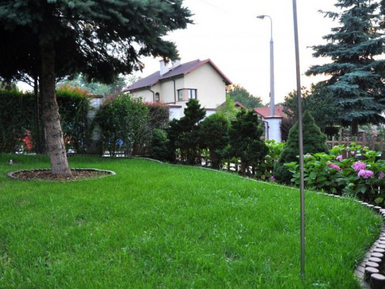 ogród - pokoje gościnne