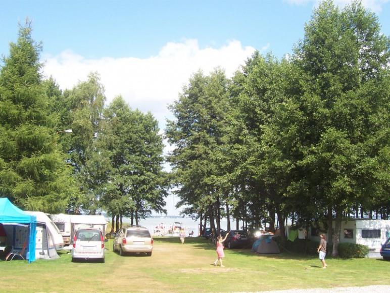 Pole campingowe