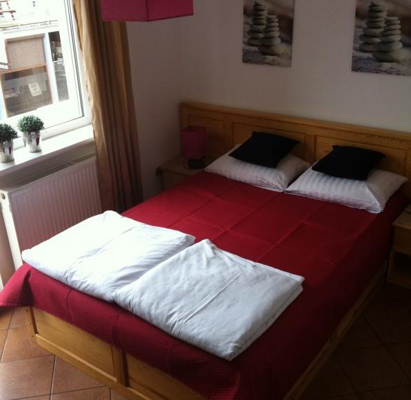 pokoj 2-osobowy (lozko malzenskie -160cm)