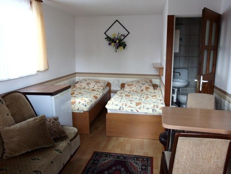 Pokój 4-osobowy w domku letniskowym