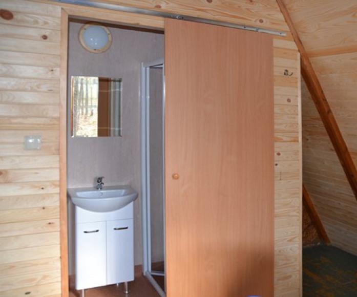 Łazienka w domkach letniskowych De LUX