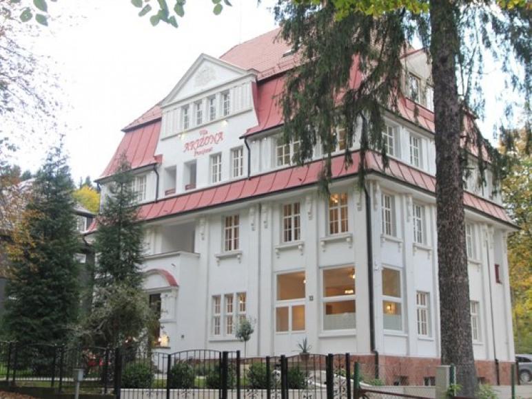 Villa Arizona - front