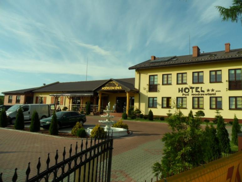 """Hotel Restauracja """"Modrzewiowa"""""""