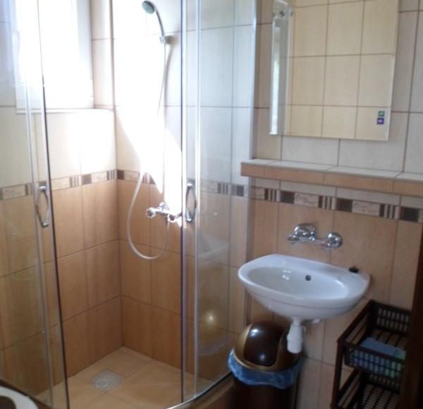 łazienka w domku 4-5os.