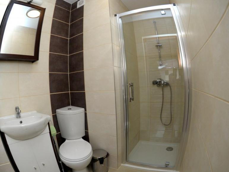 Pokój dwuosobowy łazienka