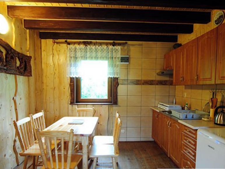 Całoroczny domek z kominkiem - kuchnia