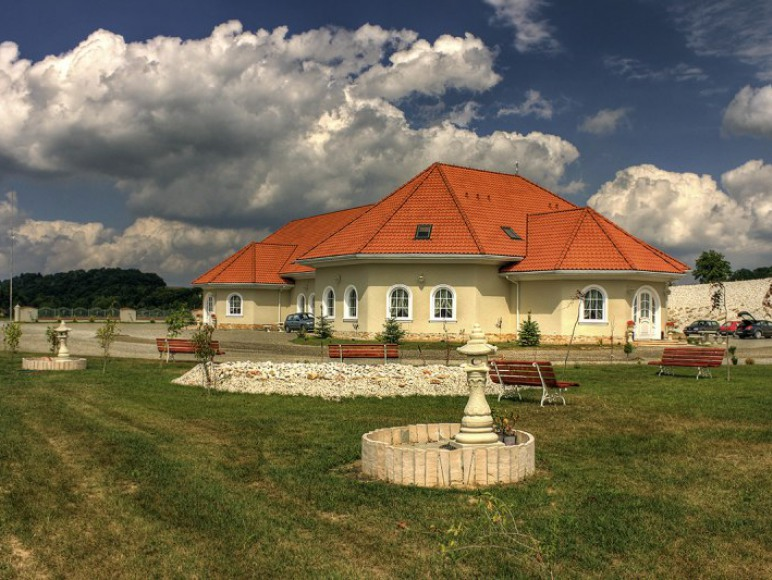 Sękowski Dwór