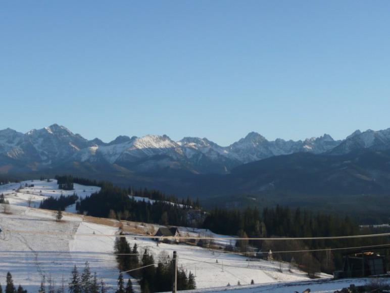 widok zimą z balkonu
