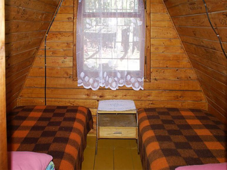 pokoj na pietrze w domku typ wiezycy 7 ososbowe
